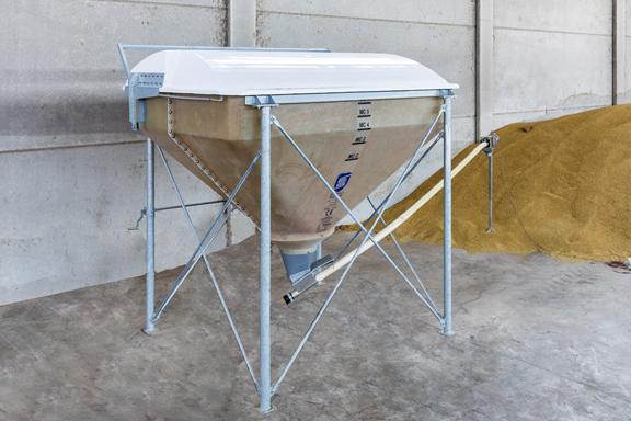Produzione feedhopper silos per mangimi